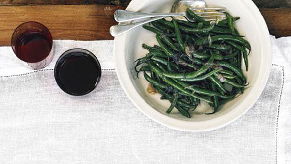 Sautéed beans with savory