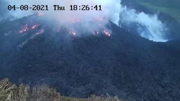La Soufriere volcano is threatening to erupt.