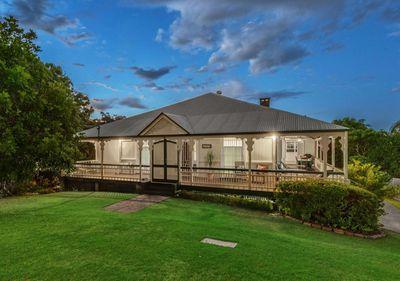 "<p><strong><a href=""http://www.realestate.com.au/property-house-qld-paddington-124974462"" target=""_blank"">29 Rockbourne Terrace, Paddington, QLD</a></strong>(auction)</p>"