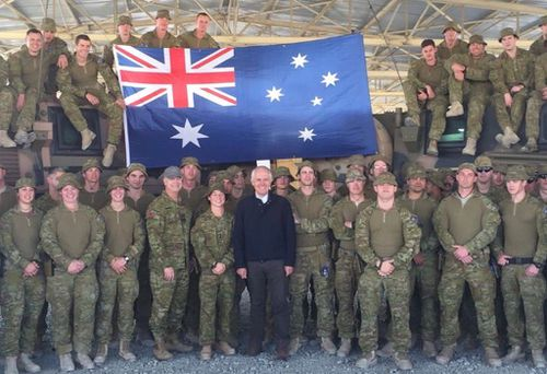 Prime Minister Malcolm Turnbull has visited Australian troops in the Middle East. (Twitter / @TurnbullMalcolm)
