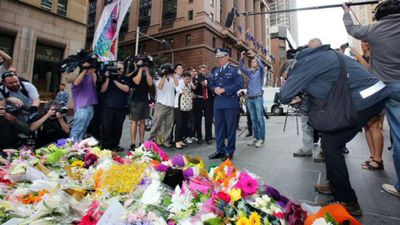 Police Commissioner Andrew Scipione was one of a number of state and national leaders to leave a tribute.
