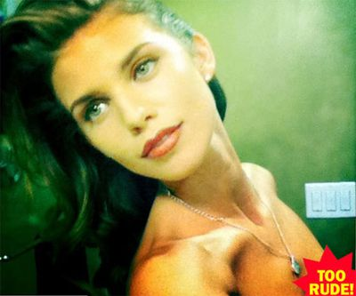 90210 star AnnaLynne McCord accidentally tweeted this topless pic to a fan before realising her mistake and replacing it with a more PG cropped version.