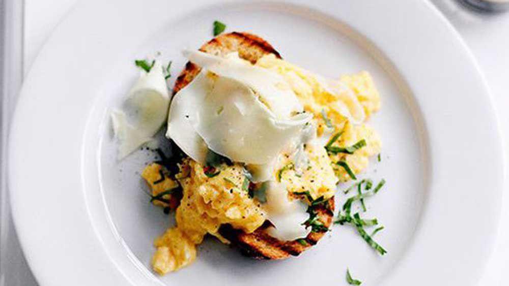 Eggs on toast with asiago