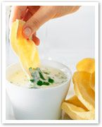 Mini pappadums with yogurt dip