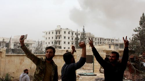 Syrian government attempts to claw back rebel-held areas in Aleppo