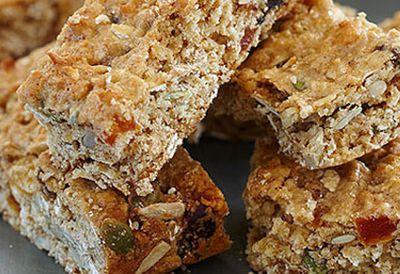 Mixed seed and oat muesli bar