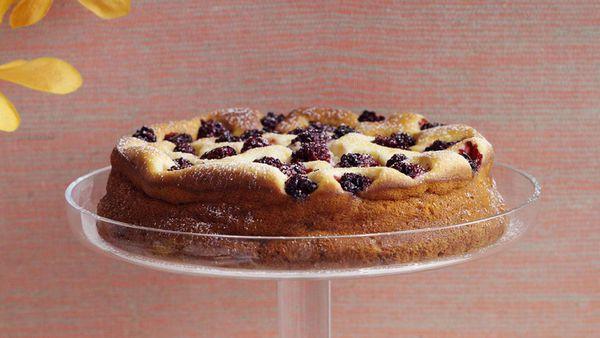 Lemon and blackberry cheesecake