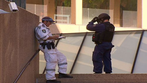 Officers from the bomb squad were called to investigate a 'suspicious package'. (9NEWS)