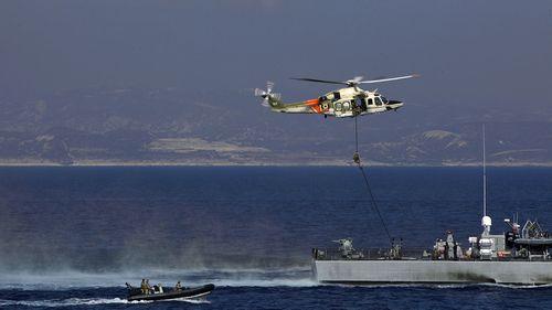 Latihan angkatan laut gabungan antara Inggris, Siprus dan Prancis di lepas pantai Limassol, Siprus pada hari Selasa, 27 Oktober 2020