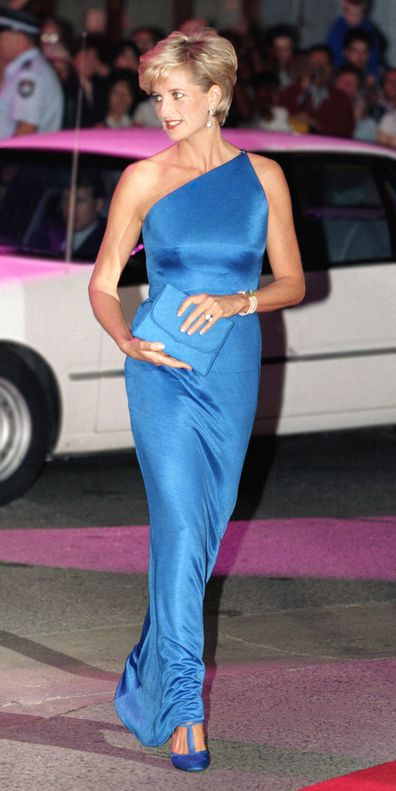 Diana arrives for the Victor Chang Research Institute ball in Sydney.