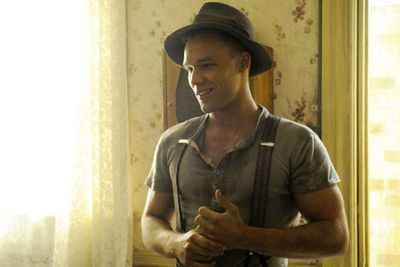 We got to see a different side to Lincoln as Bruce Higgs, associate and lover of bootleg queen Kate Leigh (Danielle Cormack).<br/><br/>Love the suspenders!<br/><br/>Image: Nine