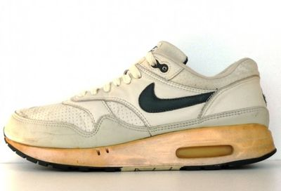 <strong>Nike Air Max 1 (1987)</strong>