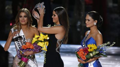 <p>Miss Philippines Pia Alonzohas been crowned Miss Universe 2015 after the show's host, comedian and television personality, Steve Harvey accidentally announced the wrong winner.</p><p>Former Miss Universe Paulina Vega, center, removes the crown from Miss Colombia Ariadna Gutierrez, left, before giving it to Miss Philippines Pia Alonzo Wurtzbach. (AAP)</p>