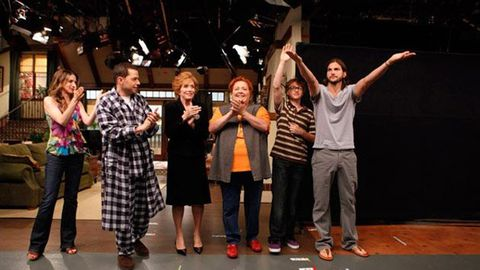 First look: Ashton Kutcher's Two and a Half Men debut