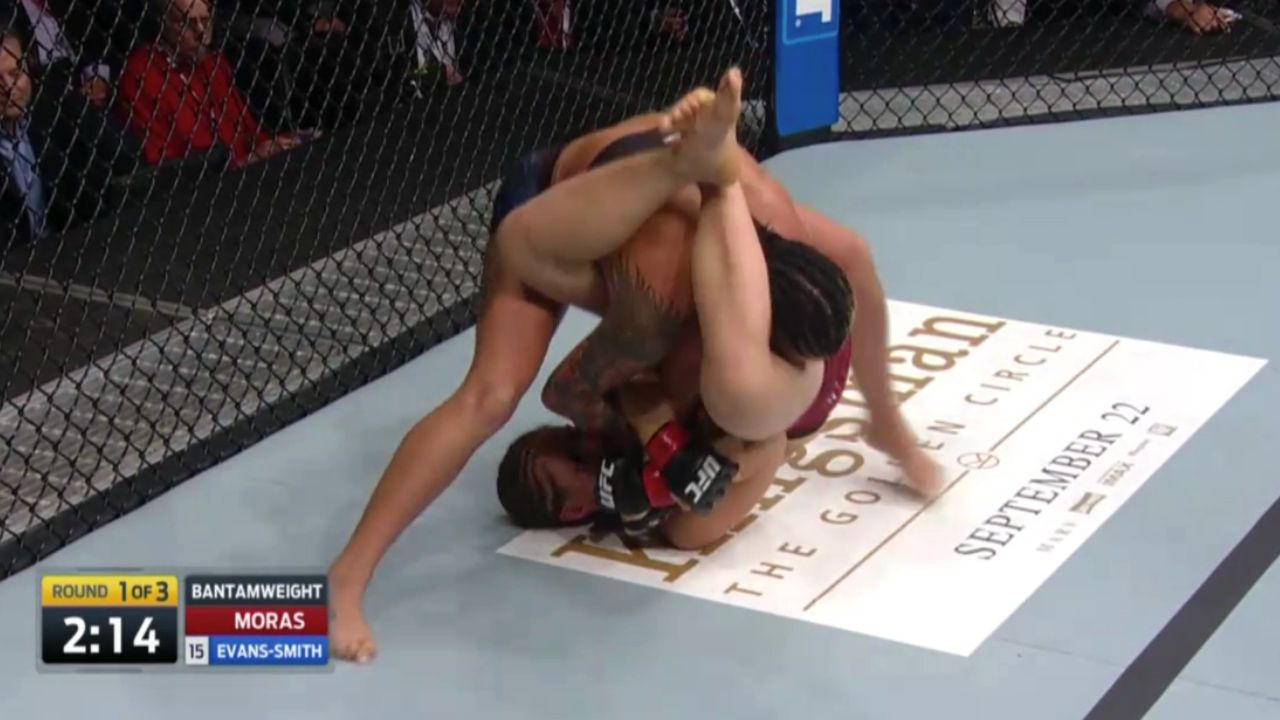 Brutal armbar leads to dislocated elbow