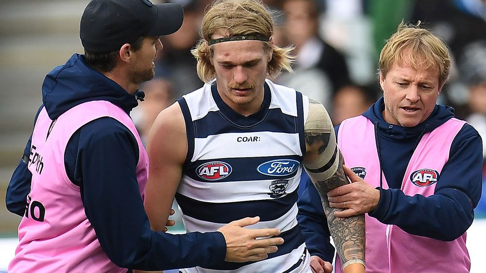 AFL news: Geelong Cats in gastro scare before preliminary final against Adelaide Crows