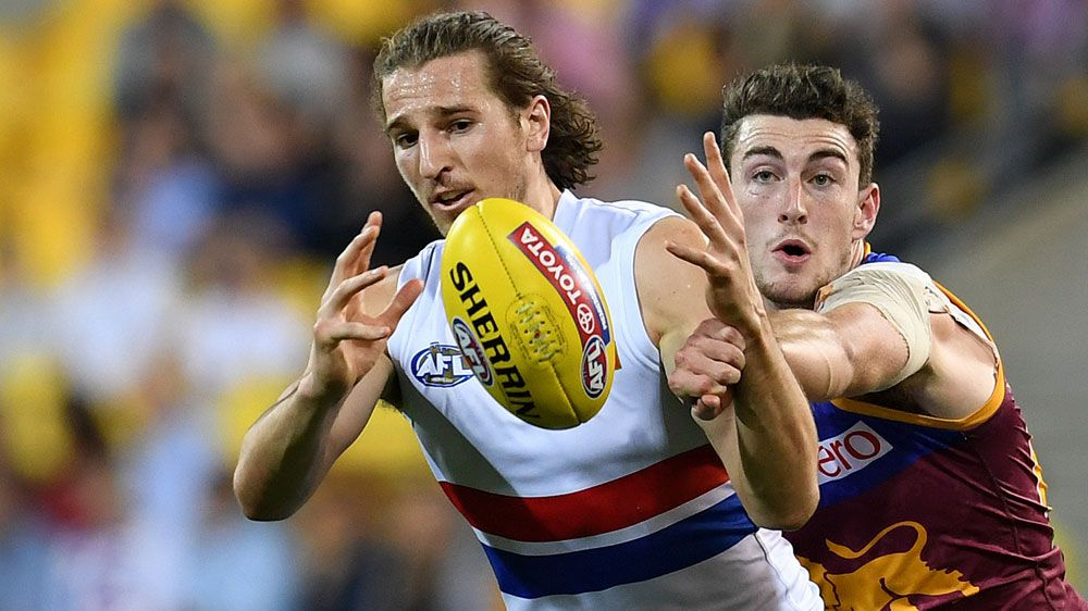 Fears Bulldogs AFL skipper gone for season