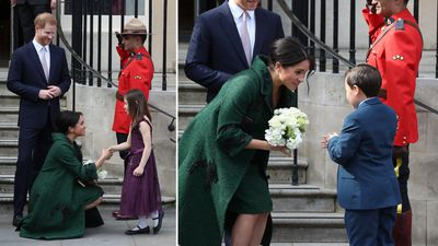 Meghan accepts flowers from children, 2019