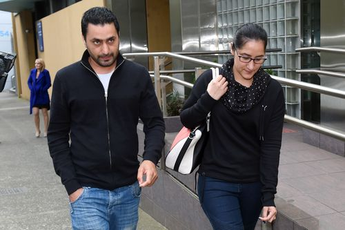 Amanpreet Kaur (left) and her husband Sukhvinder Kaur leave the State Coroners Court after giving evidence at inquest into the death of her sister-in-law Parwinder Kaur, in 2015. (AAP)