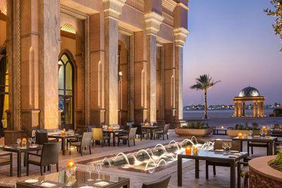 <strong>1. Emirates Palace, Abu Dhabi</strong>