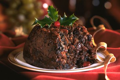 Christmas pudding: 270 calories
