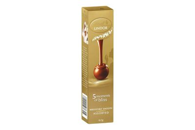 Lindt Lindor milk chocolate balls: 155 calories/647kj