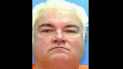 <p>Killer Allen Lee Davis was executed by electric chair in Florida in 1999.</p> <p>For his last meal he had lobster tail, fried potatoes, half a pound of fried shrimp, six ounces of fried clams, half a loaf of garlic bread and root beer.</p>