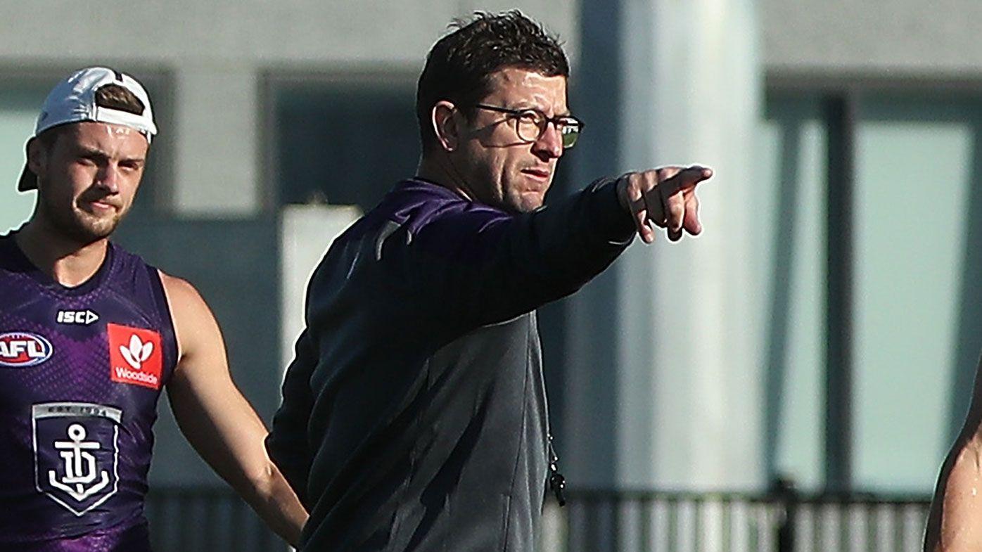 Fremantle assistant coach Josh Carr stood down after breaching WA quarantine protocols