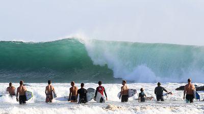 Big swell shuts Gold Coast beaches