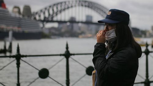 Coronavirus: Number of confirmed cases reaches 350 in Australia