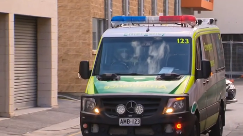 Entire floor of Adelaide quarantine hotel evacuated after infected toddler tested in corridor
