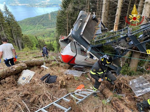 Three arrested over deadly Italy cable auto  crash as investigation finds fault