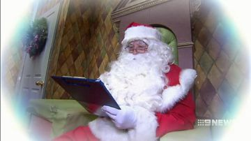 VIDEO: Santa Claus en route to Australia