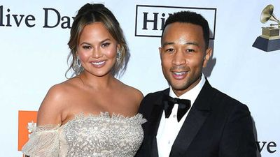 "<a href=""http://kitchen.nine.com.au/2017/05/30/10/08/chrissy-teigen-is-finishing-her-new-cookbook-while-on-tour-with-john-legend"" target=""_top"">Chrissy Teigen's work schedule while on tour with John Legend</a>"