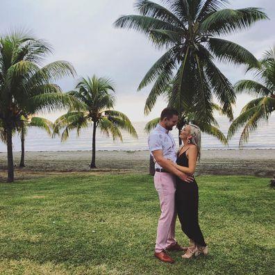 Australia bushfires Bride-to-be vows to 'pour love' into bushfire-ravaged Tumbarumba