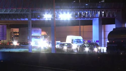 Traffic remains queued back to Ingleburn. (9NEWS)