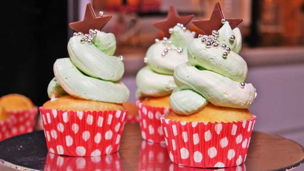 Christmas tree cupcakes icing hack