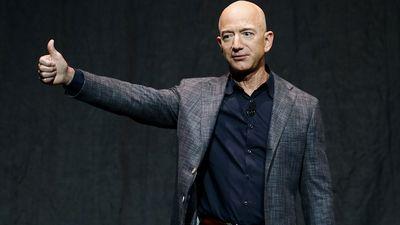 Jeff Bezos sets new record