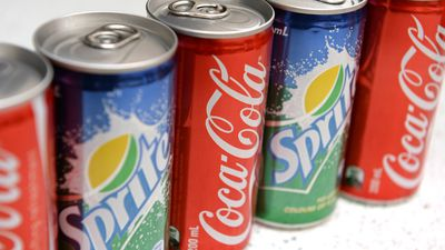 Aussies urged to cut out soft drinks to avoid cancer
