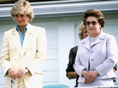 Princess Diana and the Queen, 1987