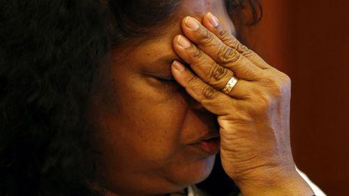 Australian Raji Sukumaran, the mother of death-row prisoner Myuran Sukumaran, breaks down. (AAP)