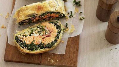 "Recipe:&nbsp;<a href=""http://kitchen.nine.com.au/2016/05/17/10/48/spinach-ocean-trout-and-risoni-pie"" target=""_top"">Spinach, ocean trout and risoni pie</a>"