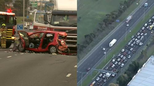 Cattle truck crash creates traffic delays on Western Ring Road in Melbourne's south-west