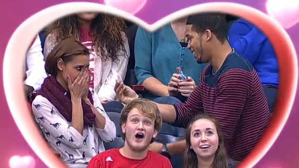 NBA: Man loses ring while proposing on kiss cam