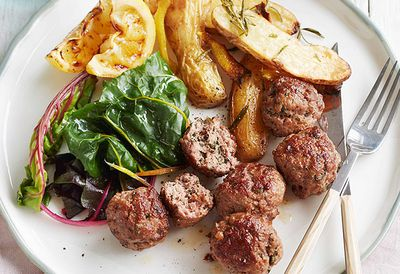 "Recipe: <a href=""/recipes/imince/8994035/spiced-lamb-and-mint-meatballs-with-lemon-yoghurt"" target=""_top"">Spiced lamb and mint meatballs</a>"