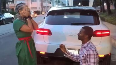 Police 'pull over' couple to help local man propose to his girlfriend