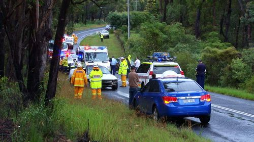 Emergency services at the scene of the crash near Balmoral. (9NEWS)