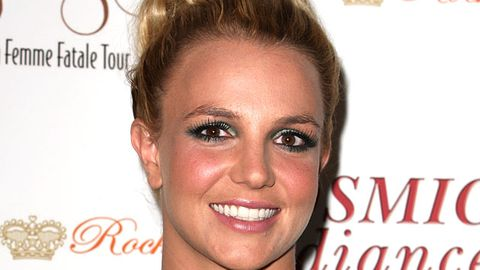 Twitter wants Britney Spears to be on Modern Family