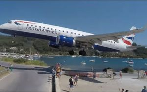 British Airways jet narrowly misses holidaymaker heads