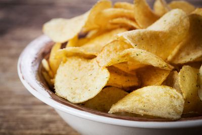 Swap potato chips (532 calories/100g)…